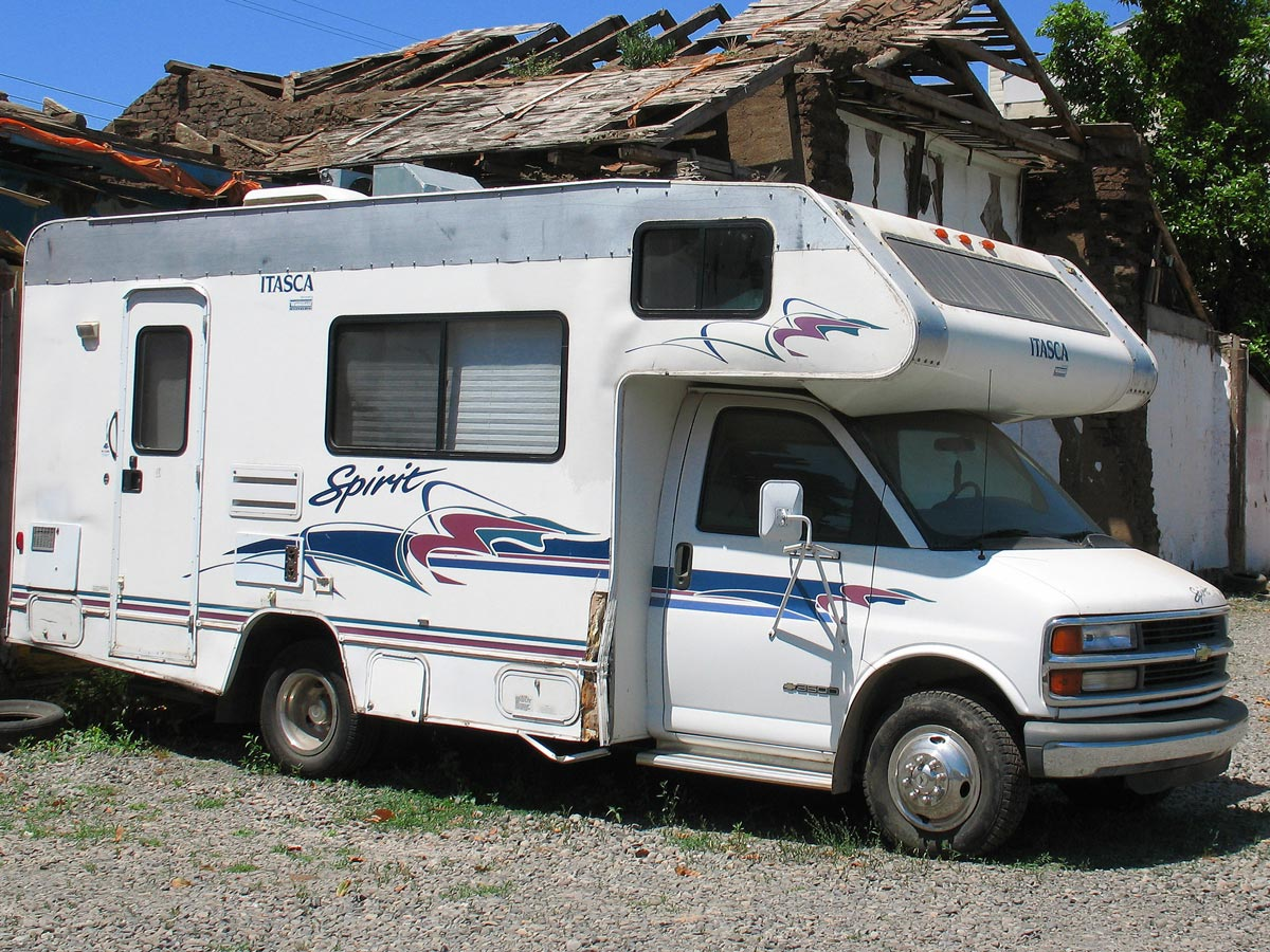 Buying new vs used motorhomes byron bay businesses for Buy used motor home